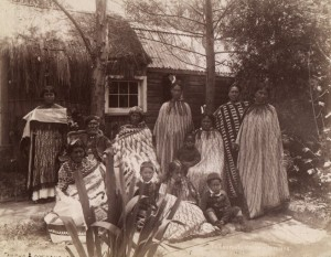 Maori Family in the 1880s (Photothèque du Musée de l'Homme via French National Library)